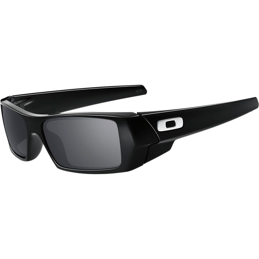 4faa6e229538 Oakley Sunglasses Fitting. Jun20. Elderly friends. Sunglass Fitting Guide  Oakley