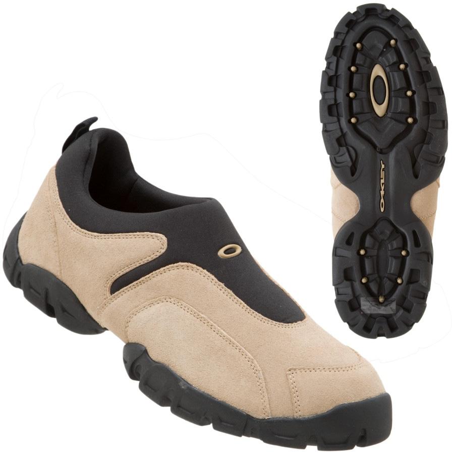 oakley hiking shoes